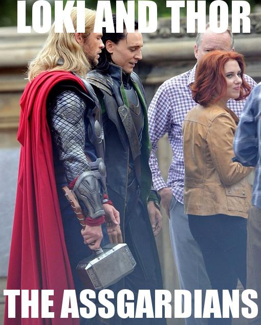 Thor-Loki-Cant-Help-But-Marvel-At-Black-Widows-Power.jpg